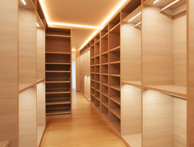 Closets_013R